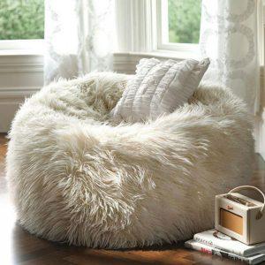 Trang trí nội thất phòng ngủ cho mùa đông ấm áp
